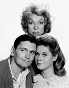Agnes_Moorehead_Bewitched_1964
