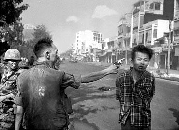 NGUYEN NGOC LOAN kills viet cong