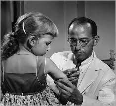 jonas salk giving vaccine