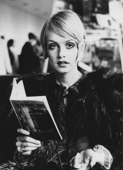 Twiggy reading at airport